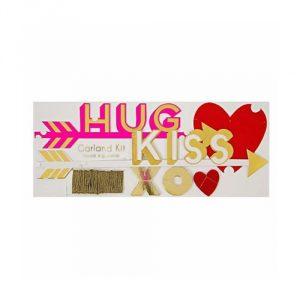 Meri-Meri-Hug-Kiss-Heart-Garland